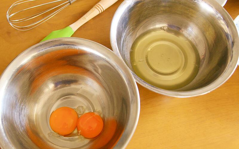 卵黄と卵白にわける