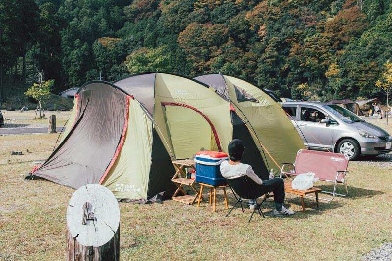 白川渡オートキャンプ場テント設営後
