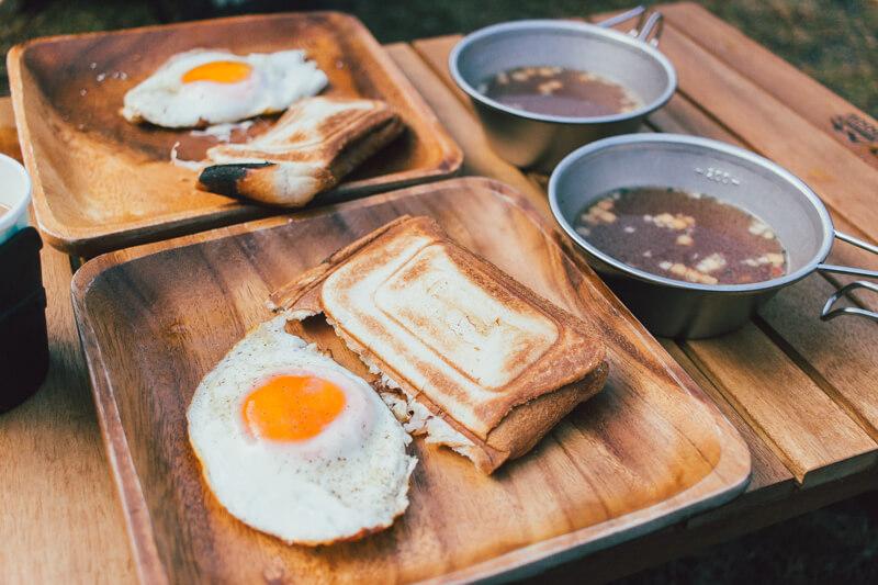 キャンプ場での朝ご飯