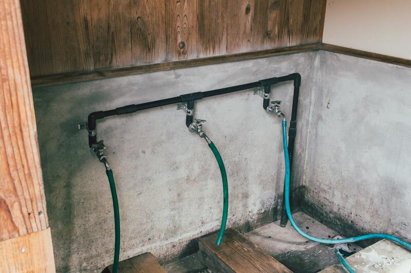 白川渡オートキャンプ場炊事場の網を洗う場所
