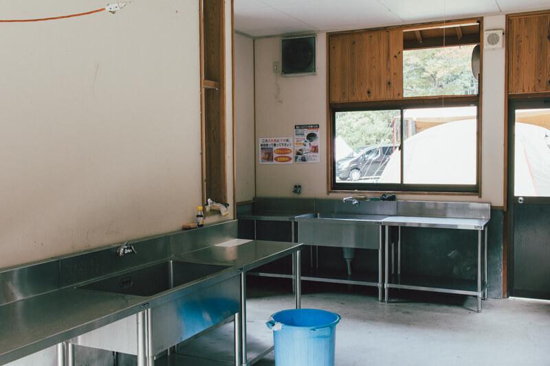 白川渡オートキャンプ場炊事場全体