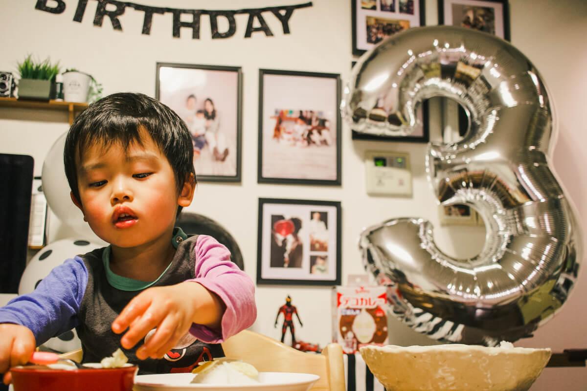 3歳誕生日シルバー風船