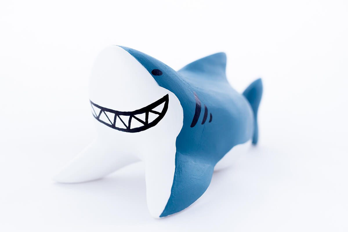 サメの木製人形5