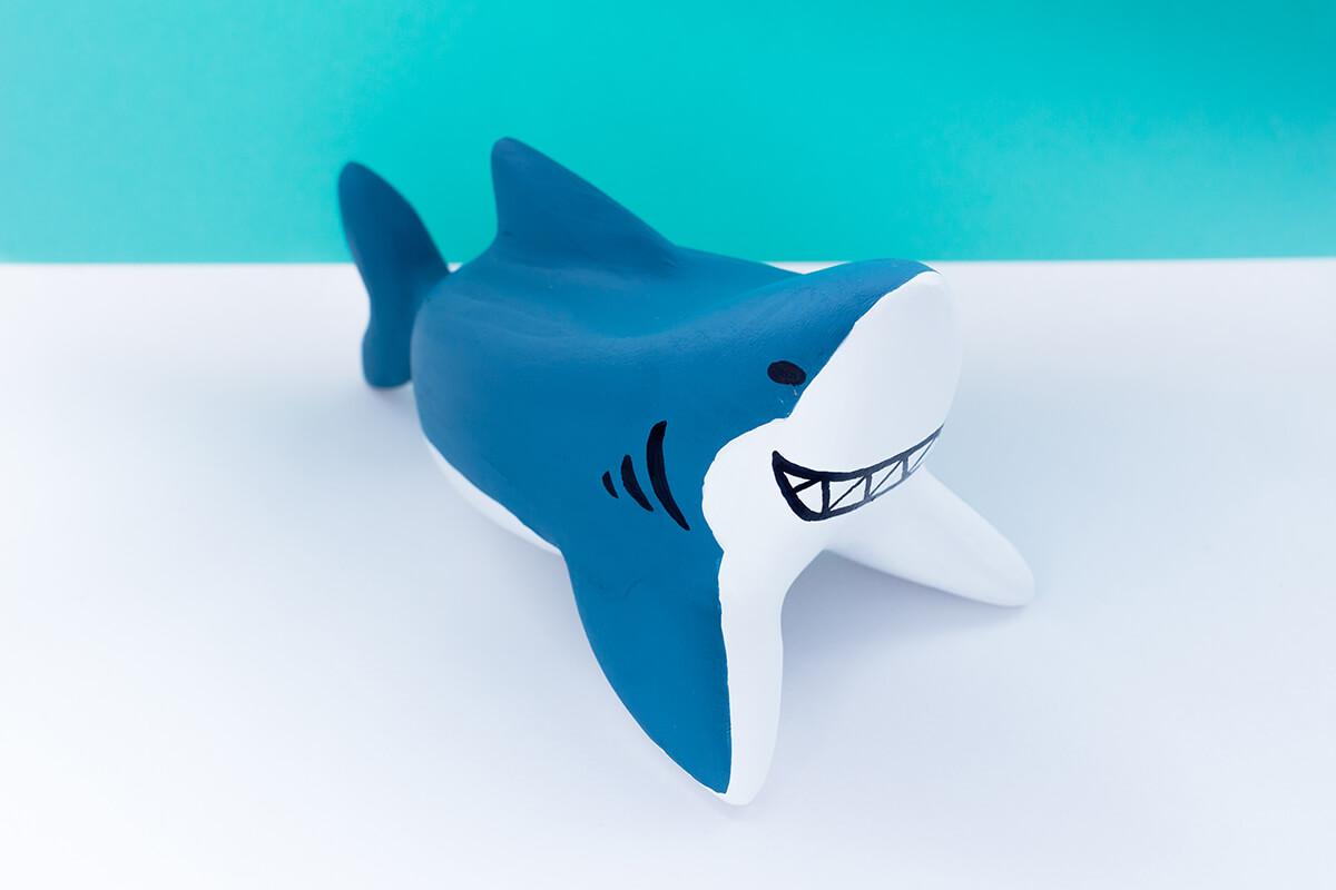サメの木製人形8
