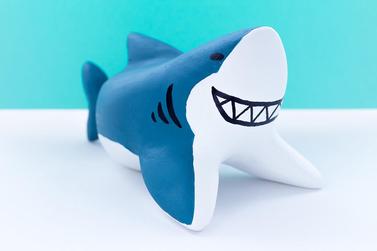 サメの木製人形7
