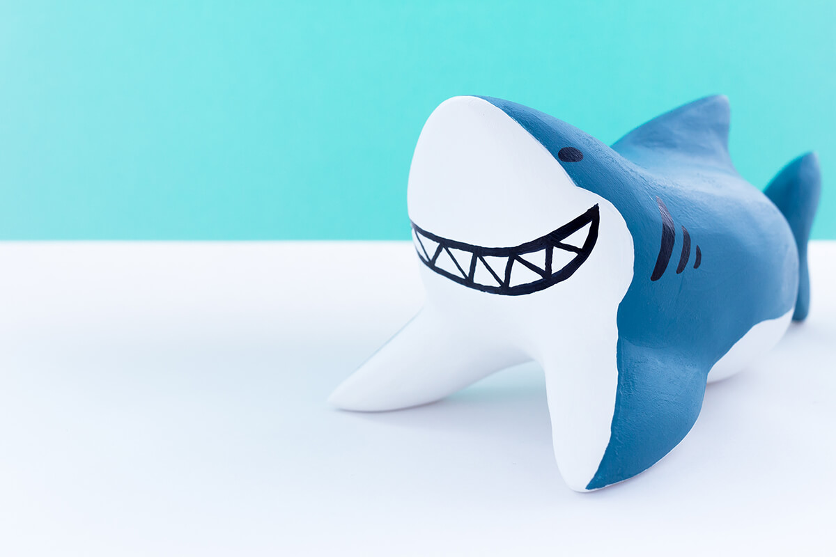 サメの木製人形6