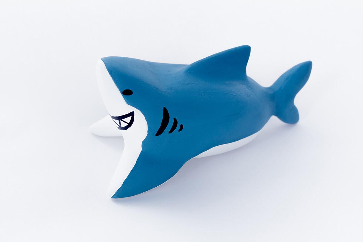 サメの木製人形2