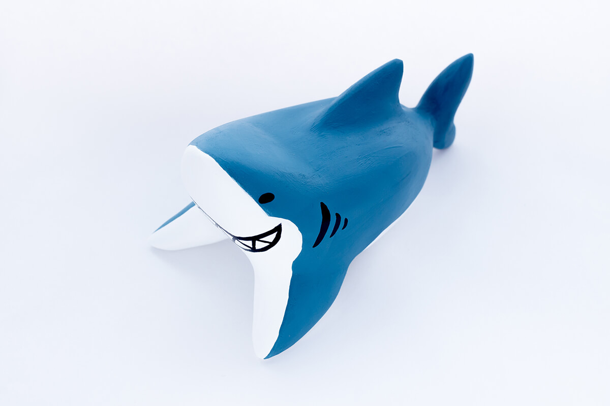 サメの木製人形3