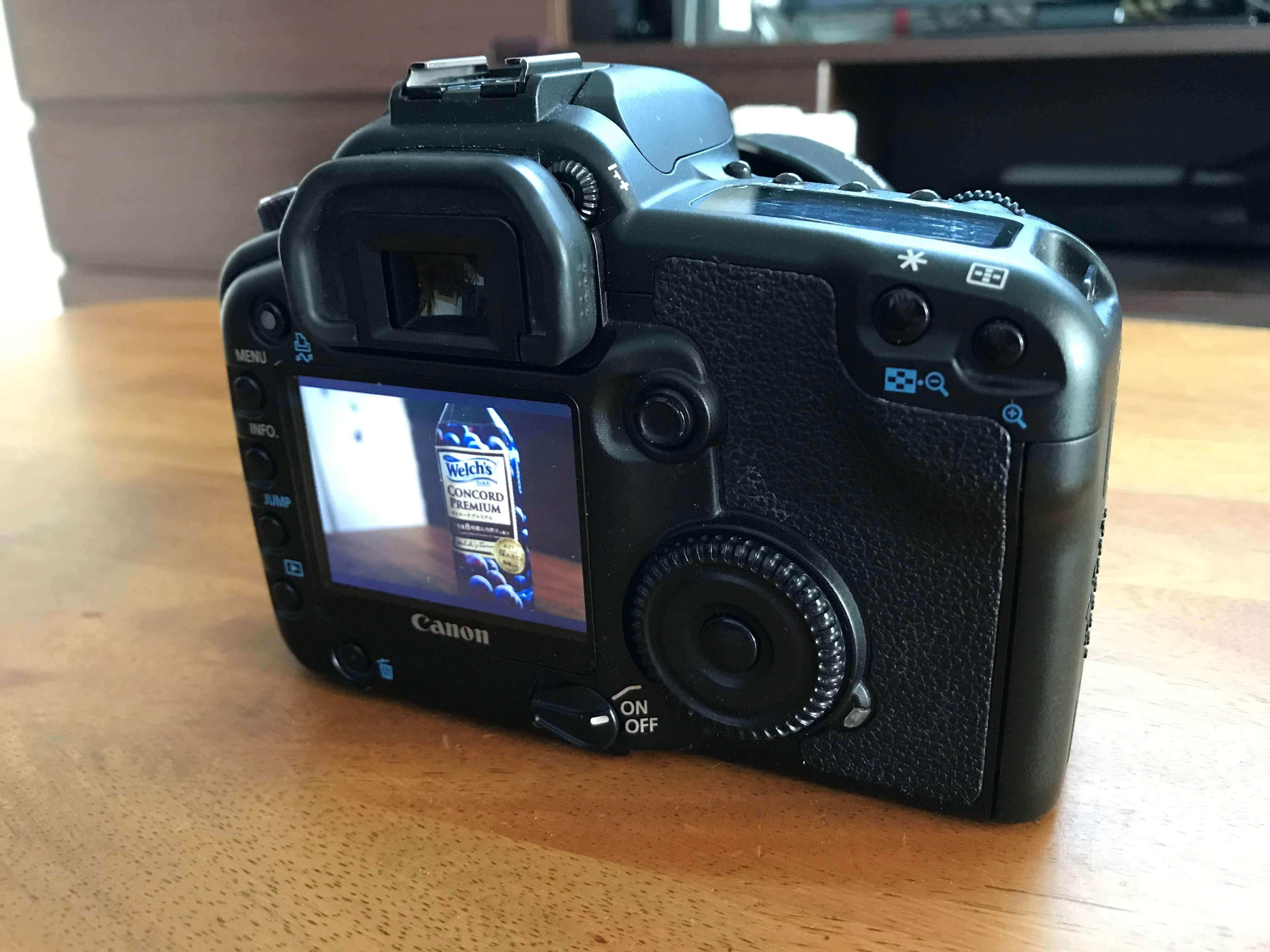 カメラのバックモニター写真