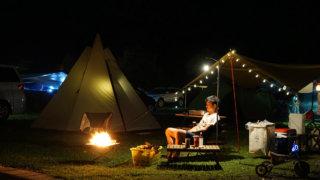 UJackのテントを使った夜のサイトレイアウト写真