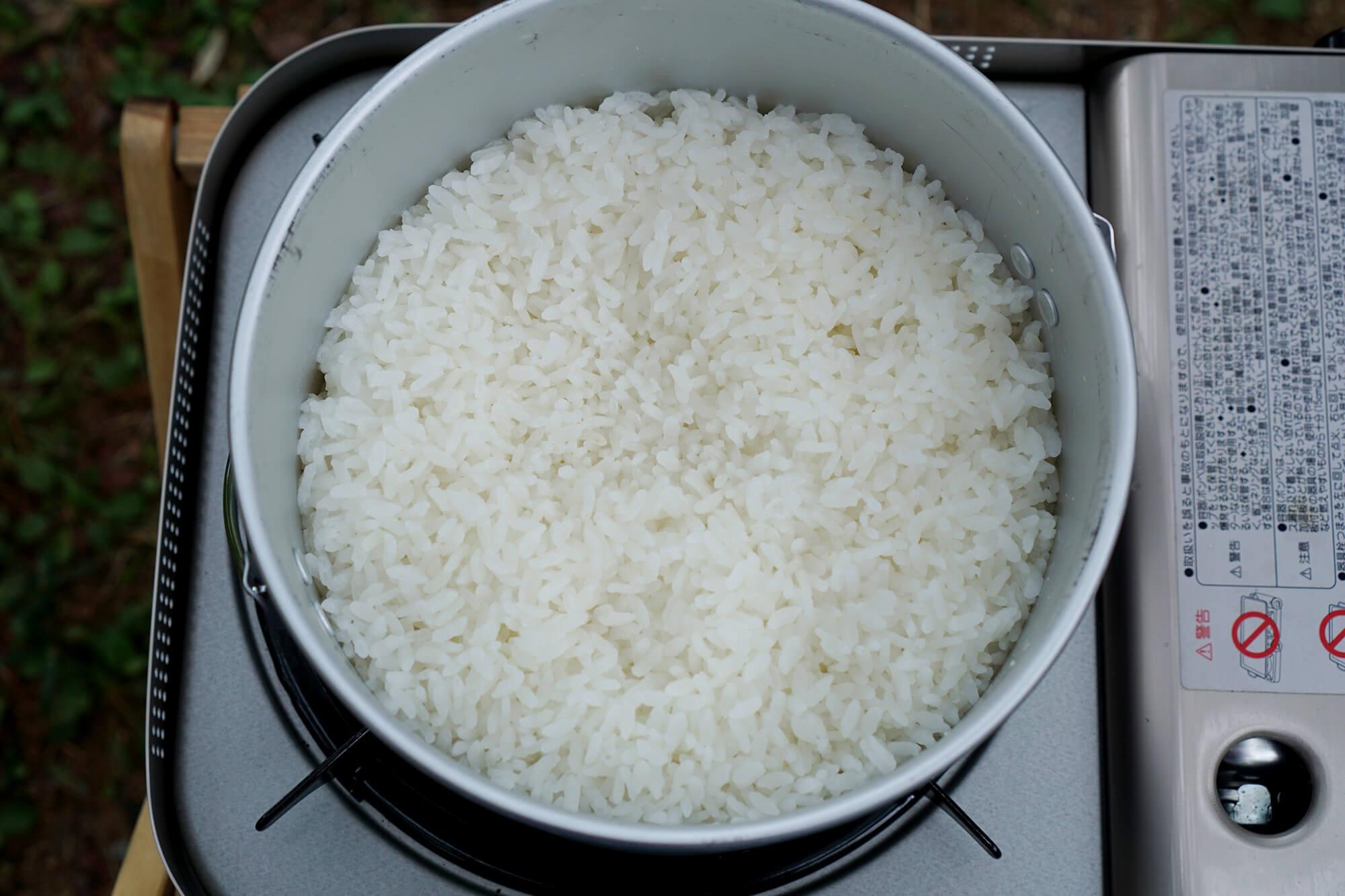 お米が炊き上がった画像